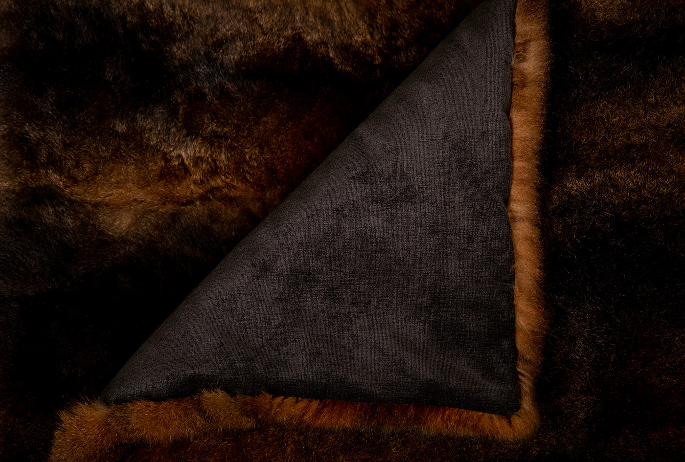 Five simple ways about how to quickly tell if fur is real or fake